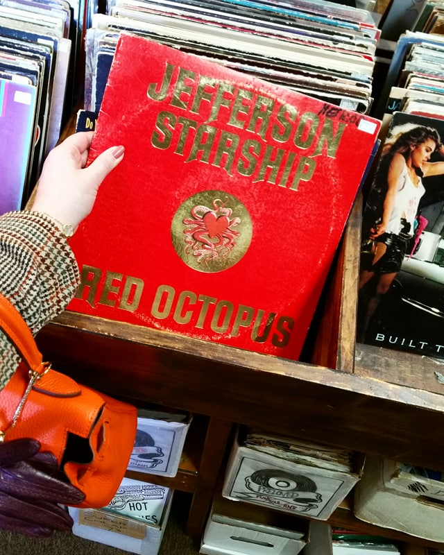 How To Shop for Vintage Records in Nashville